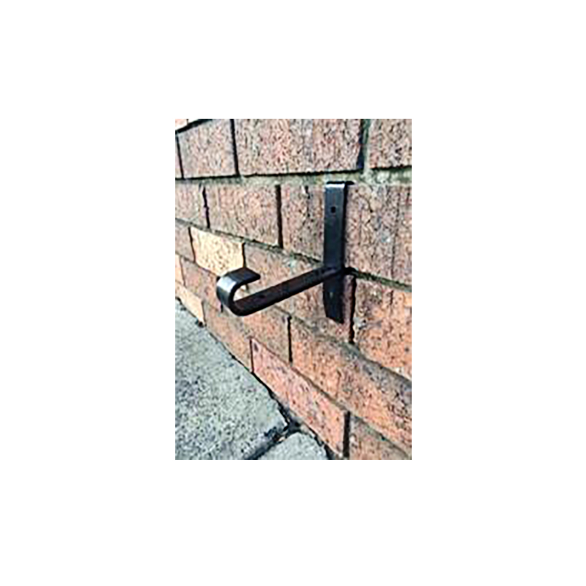 18144 Lock in Brick Bracket